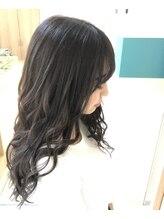 ヘアーアトリエア イヴィー(Hair Atelier Ivy)グロスグレージュ