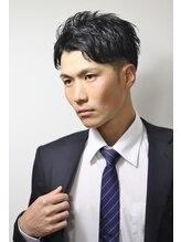クオンヒール(QUON HEAL)スーツにおすすめ☆ワイルアップバングサイドパートショート刈上