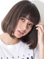 リビングユー(Livingu you)厚めバングぱっつん前髪のおしゃれおかっぱグラデーションボブ