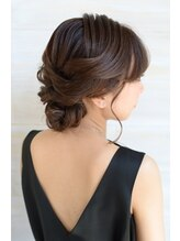 ドッツ(Dots.)『Dots.』 Bridal Hair