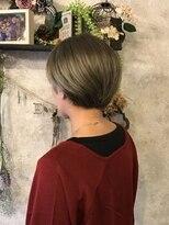 アトリエ スピカ ヘアーアンドメイク(atelier Spica Hair Make)外国人風カーキベージュカラー☆ショート