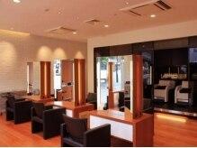 モッズヘア 宇都宮店(mod's hair)の雰囲気(リラックス度の高いゆったりとしたソファーで施術を受けられます)