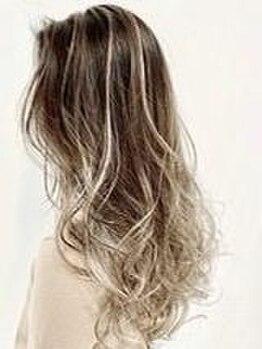 ビーヘアー(BE hair)の写真/デザインカラーが大人気☆流行カラーや似合わせカラーまで♪雰囲気を柔らかく見せるモテカラーがオススメ♪