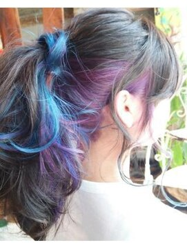 アティック ヘアーデザインアンドリラクゼーション(attic hair design&relaxation)インナーカラー*ブルー×パープル