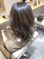 アミィヘアー(Ami Hair)ちょいレイヤーセミロング×シークレットハイライトonアッシュ