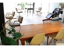 エクラ(eclat)の雰囲気(カラーやパーマの待ち時間はドリンクサービスでカフェ気分で!)