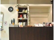 エムアンドピース 志村坂上店(M&Ps)の雰囲気(季節によってオススメの商品を変えて受付で紹介しています。)