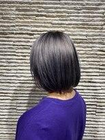 ビス ヘア アンド ビューティー 西新井店(Vis Hair&Beauty)10代20代 インナー ピンクカラー シルバー 切りっぱなしボブ