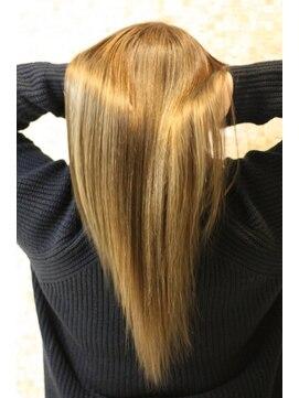 ヘアーデザインムーヴ(Hair design MOVE)ダメージレスハイトーンツヤカラー