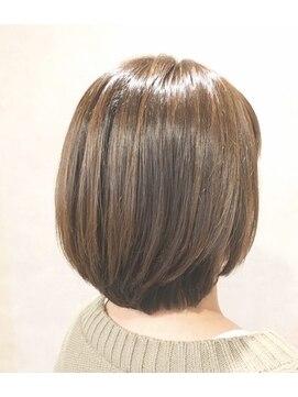 ヘアーチヒロズウィッシュ(Hair CHIHIRO's wish)☆ナチュラルハイライト艶ボブ☆