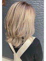 ヘアアンドビューティー クローバー(Hair&Beauty Clover)ミディアムバレイヤージュ