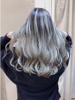ヘアースペース リズム(Hair space Rizm)の写真/バレイヤージュやハイライトカラーなどのブリーチカラーがオススメ◎≪Rizm≫が理想の髪色を叶えます☆