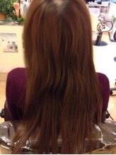 【ダメージレベル1-2/★★】-カラーやパーマをしたことがある。広がりやすい。枝毛がでてきた