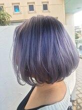 ディアーズ ヘアメイク バイ ラジィ(Dear's hair make by lasie)ホワイトシルバー