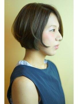 ヘアー グランジ プラス(hair Glunge Plus)アッシュブラウン、美シルエットボブ。