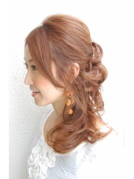 サイドハーフアップヘアアレンジ ロッカ rocca hair innovation昼下がりのハニカミサイドアップ