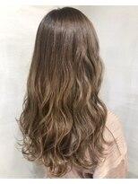 ヘアアンドビューティー クローバー(Hair&Beauty Clover)matte beige
