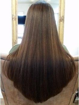 ロッタ ヘアサロン(LOTTA HAIR SALON)の写真/【髪に優しい】オイルinストレートなので驚くほど柔らかくて艶やかな仕上がりに!ダメージレスが嬉しい◎