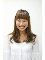 ヘアスペース タング(Hair space Tang)インパクトのある前髪にふんわりナチュラルゆるやかウェーブ