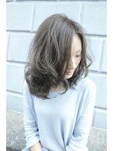 ヘアーラウンジ アンフィ 井土ヶ谷(Hair Lounge Anphi)【Anphi】外国人風3Dバレイヤージュカラー スモーキーアッシュ