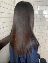 レガーレ(Legare)酸熱トリートメントで艶髪スタイル