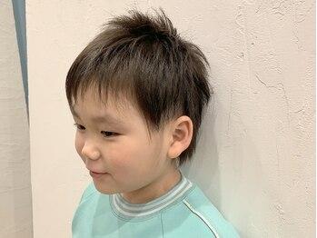 カルムヘアー(Calm hair)の写真/【キッズスペースあり】スタイリストもママさんだから、育児などのちょっとした相談も気軽にできて嬉しい♪