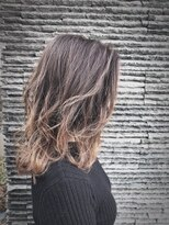 ヴェジールヘアデザイン(Vezir hair design)外国人風グラデーション