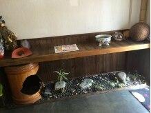 和み。KAMIBIYORIの雰囲気(まるで京都のお茶屋さんの様な玄関『心が癒される』空間です。)