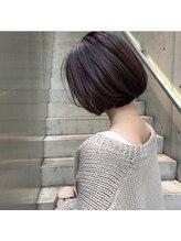 ドールヘアー(Doll hair)ボルドー顎ラインボブ