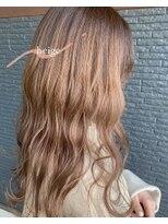 ヘアアンドビューティー クローバー(Hair&Beauty Clover)beige
