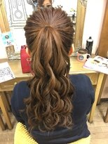 ヘアセットサロン アトリエ チャイ(Hair set salon atelier CHAI)高めシンプルポニー♪