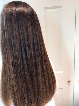 アルブル エト シミー(Arbre et chimie)の写真/思わず触れたくなる自分史上最高のサラ艶髪へ☆こだわり抜いた薬剤を調合し、理想的なストレートヘアへ♪