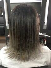 ヘアーサロン リーベ 東久留米店(Hair Salon Liebe)ミディアムバレイヤージュ