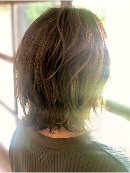 カーサ(CASA)の写真/厳選したカラー剤とケアに特化した知識で艶・柔かさをもった芯から綺麗な髪に…お気に入りの髪色を見つけて