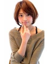 レウナ 外苑前(Reuna)ひし形シルエットで小顔似合わせ艶ボブ