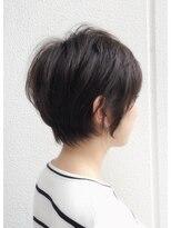 キアラ(Kchiara)綺麗なシルエットの黒髪ショート
