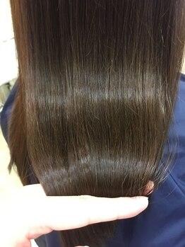 アドア(adore)の写真/年齢による髪質の変化の悩みを「髪質改善で艶めく美髪へ―」最新薬剤《プレミアムトリートメント》導入☆