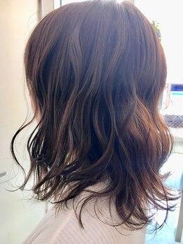イザワ ヘアメイクサロン(izawa)の写真/【多治見】髪にツヤと潤いを与えてくれるお洒落カラーならお任せください♪色持ちとツヤが長続き☆