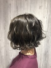 レナトゥス ヘアー オブ ネイル(Renatus Hair of Nail)外はねボブ
