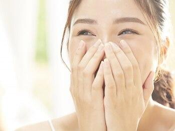 ララ カラーズ MEGAドンキホーテ店(LaLa)の写真/《情熱価格!!¥990~》メニューを「カラー」のみにすることで、短時間施術×低価格を実現☆スキマ時間にも◎