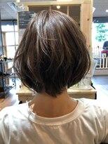ヘアーガーデンロルド(hair garden Rold)無造作仕上げラフでかわいい、フェミニンショート