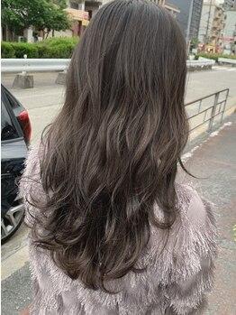リー 東三国(Lee)の写真/外国人風の透明感や大人の抜け感もダメージレスで☆髪だけではなく肌まで綺麗に魅せるカラーに♪¥4000~