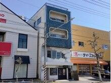 ラニ ヘアーアイラッシュ(lani hair eyelash)の雰囲気(青いビルの3階です)