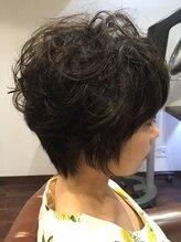 ヘアー サロン アットシュシュ(Hair Salon At'shushu)小顔補正立体カットとエアウェーブでガーリーショート♪