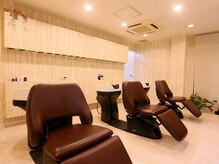 美容室レッシュ ひたちなか店の雰囲気(ゆったりと寛げる座り心地の良いシャンプー台…)