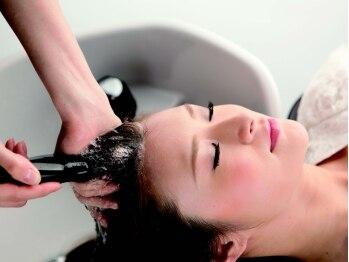 ヘアアンドメイク ログ(Hair&Make Log)の写真/話題の炭酸泉や抗酸化トリートメントなど髪に優しい施術が人気☆ダメージケア・エイジングケアはお任せ!