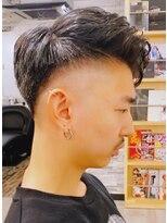 短髪→ローフェード→ スパイキーショート