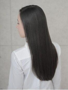 エムアンドスマート 浦安店(M&SMART)の写真/8月2日NEWOPEN*M&SMARTの縮毛矯正でシルクのようなストレートに!クセや髪質に合わせた施術が自慢◎