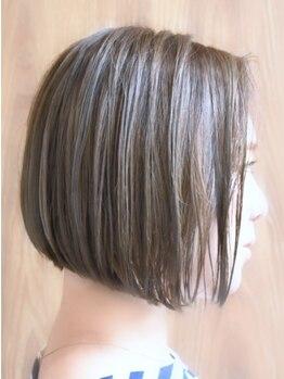 ポッシュヘアー(POSH hair)の写真/【OLから人気の全国雑誌に掲載♪】色合い調整テクニック・髪質に合わせた提案が大人女性から人気の理由☆
