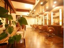 ヘアーデザイン ルームス(hair design rooms)の雰囲気(木の温もりが心を温めてくれます!!)